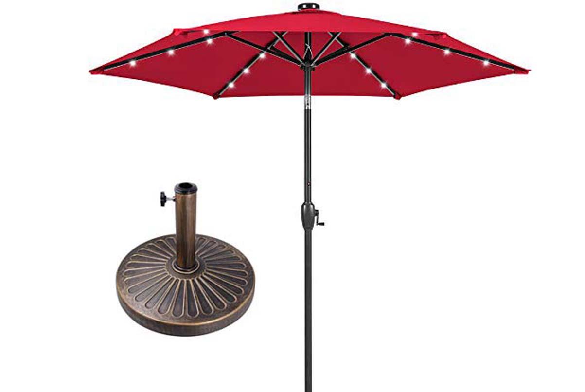 burgundy-table-umbrellas